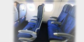 座椅是飞机结构当中极其重要的一部分,它为舱内乘员提供工作、生活的保障和免受损伤的保护。据民用航空事故长期调查分析结果显示,客机起飞和着陆的事故发生率分别为25.1%和45.3%,占总事故发生率的70.4%,而死伤人数中60%是因坠机后旅客座椅损坏导致旅客受碰撞造成的。这说明两个问题:一是航空座椅是飞机安全性保证的重要组成部件之一;二是研究飞机起飞和着陆时座椅的安全保障作用非常重要。